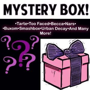 💄High End Makeup Mystery Box💄